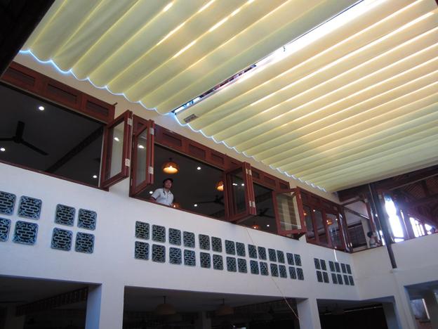 Bạc mái xếp nhà hàng