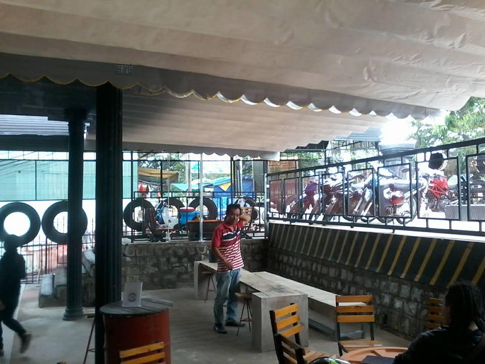 Mái che bạt xếp cho quán cafe giá rẻ