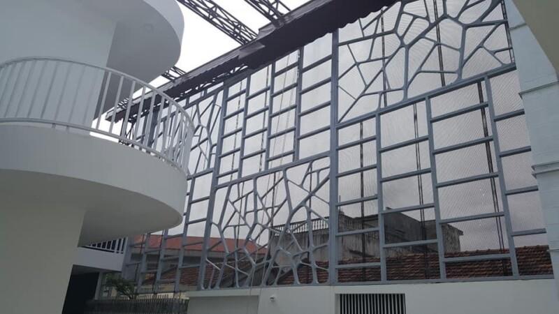 Thiết kế Phá cách cho vách ngăn (tận dụng sắt củ của công trình