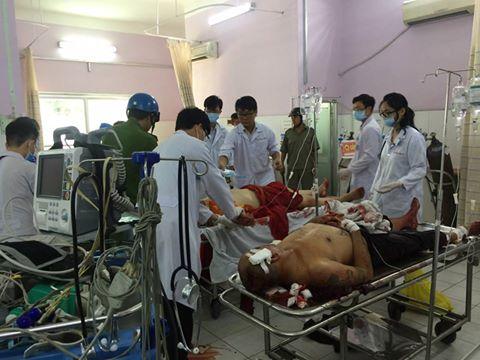Các nạn nhân đang được cấp cứu trong bệnh viện